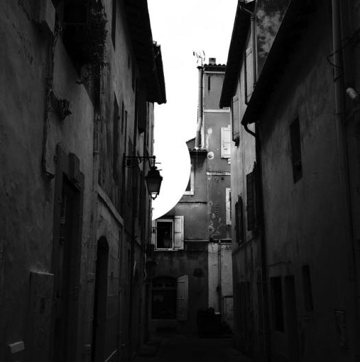 radiohead street scene france