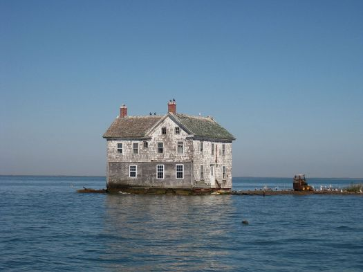1200px-holland_island_house