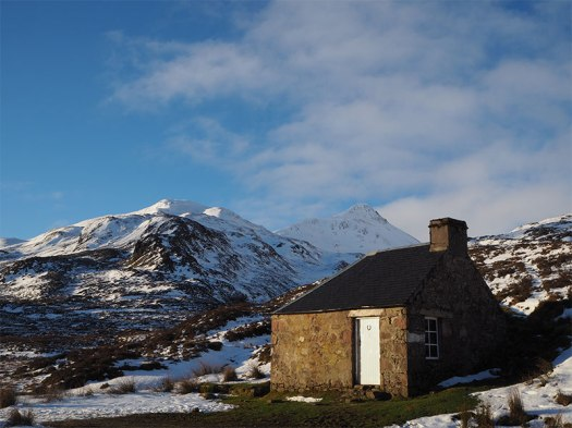 Photo_1_Lairig_Leacach_bothy_with_Stob_Ban_behind_1